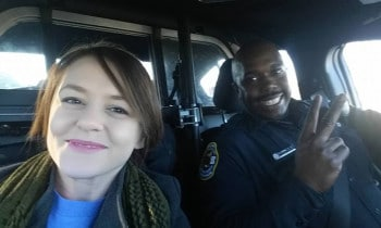 Police Officer Drives Womans Kids To School And Her To Work After Car Trouble