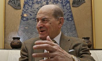 At 96 Years Old, Dr. Heimlich Uses His Maneuver For The First Time
