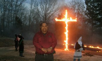 One Black Man Has Convinced 200 KKK Members To Leave Through Friendship