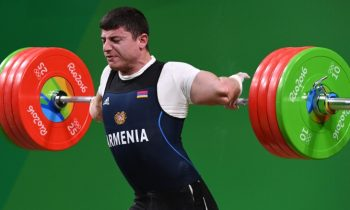 Break Poll: Real Or Fake? Weightlifter SNAPPED His Spine?