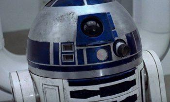 Original R2-D2 Sells for $2.76 Million at Star Wars Auction