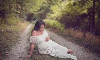 This Maternity Photo Shoot With Bees Has The Internet Buzzing