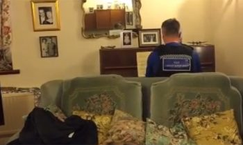 Police Officer Visits 93-Year-Old Who Was Burglarized, Plays His Favorite Piano Piece For Him