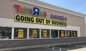 Mystery Shopper Buys $1M Worth Of Toys At Local Toys and#039;Rand#039; Us To Donate To Kids