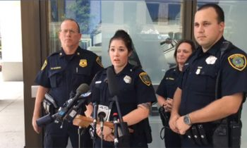 Houston Police Officer Replaces Manand#039;s Stolen Groceries
