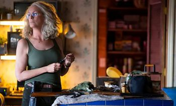 Laurie Preps for Michael Myers Like Sarah Connor in New Halloween Photo