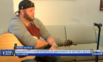 Man Sings To Cancer Patients On The Anniversary Of His Motherand#039;s Death